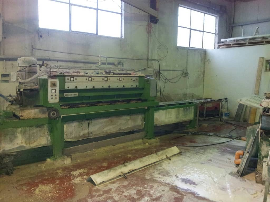 Polishing Machine For Marble Tiles And Strips