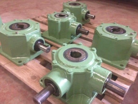 Reduction gears COMES and Bonfiglioli
