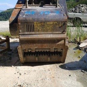 Used second hand bucket crusher MB Meccanica Breganzese BF 70.2