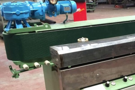 Conveyor belt edge polisher