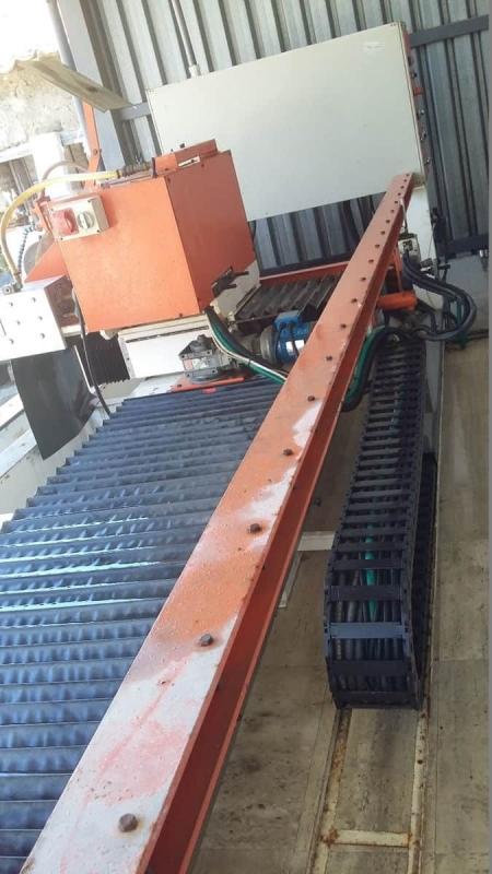Hydraulic lathe 2T TPI 3000/1000