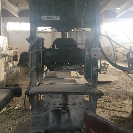 Vertical splitting machine shearing Hidrotek