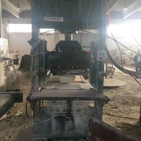 Vertical splitting machine Hidrotek - 600 x 300 mm