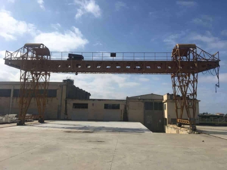 Gantry crane latticed OMT 25 Tons - 20+4+4 m