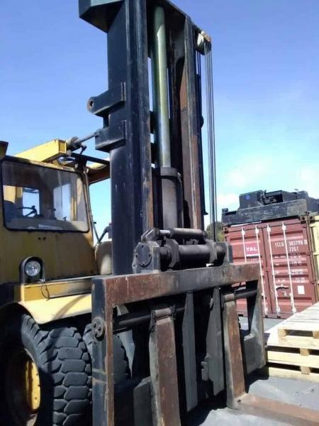 Carrello sollevatore Kalmar 25D – 25000 Kg