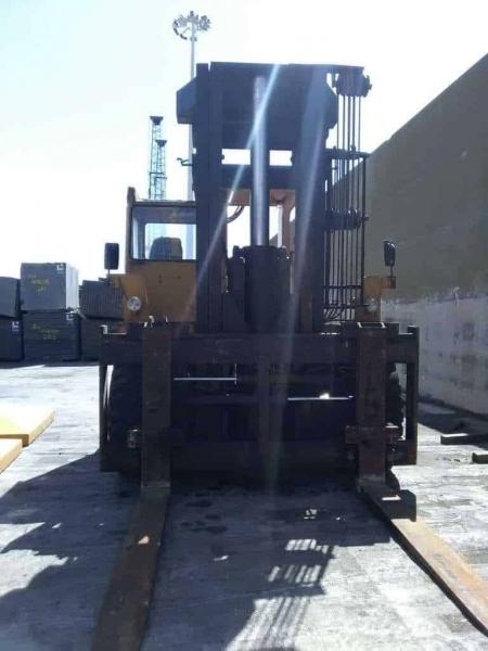 Carretilla elevadora Lidhult 30D – 30 Tons