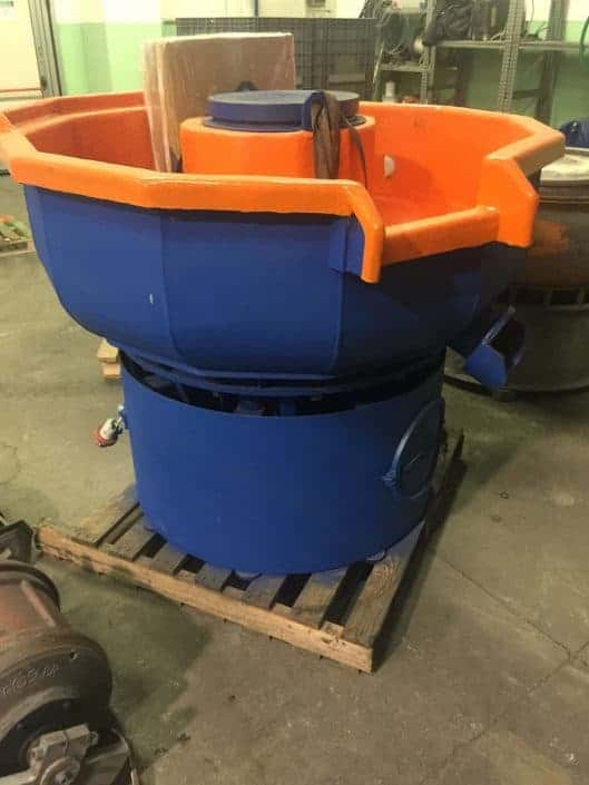 Tumbling machine vibratory