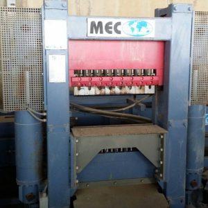 Vertical splitting machine Mec P2 – 90 Ton