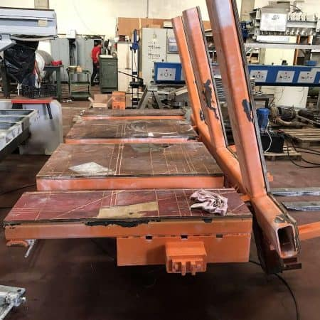 Rotating and tilting table Noat