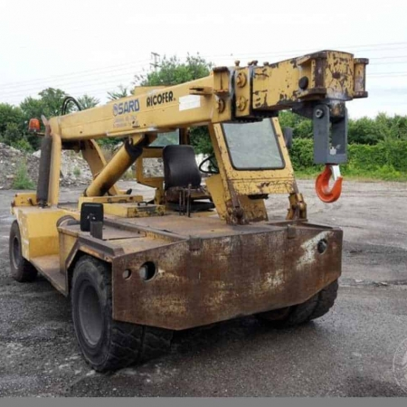 Autogru semovente Sard D90 – 9 Tons