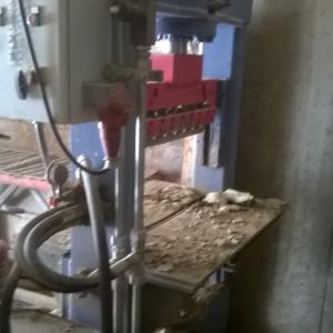 Vertical splitting machine Mec MDC – 36 Ton